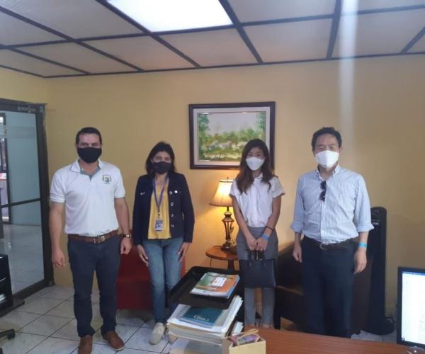 Visita del Embajador de Corea Chan-sik Yoon y la Secretaria Hyejin Kim